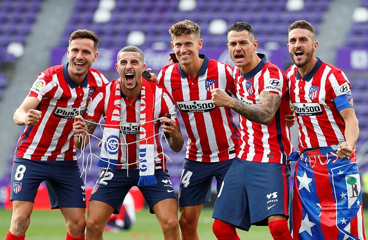 «Атлетико» празднует чемпионство: Суарес плачет от счастья, команда качает Симеоне