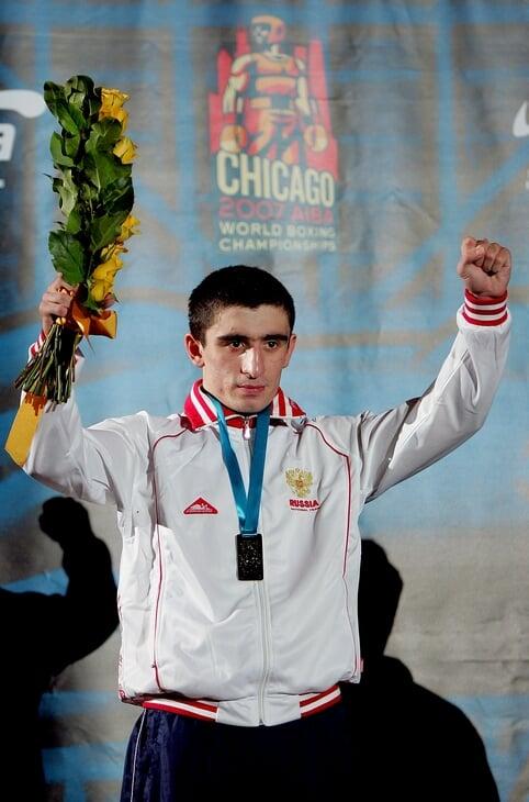 Ломаченко до профессионального бокса выносил всех как в компьютерной игре. Он закончил с рекордом 396-1