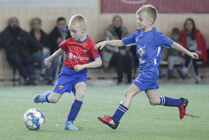 Скрытая проблема футбола – крайне мало игроков, родившихся после 1 июля. Все из-за устаревшего отбора в школы