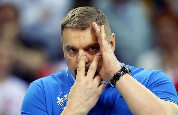 «Ничего, кроме доллара, в их глазах я не увидел». Мотивация от тренера, совершившего чудо!