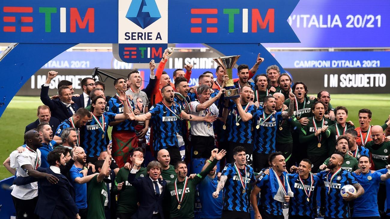 Титульным спонсором Интера вместо Pirelli станет блокчейн-приложение Socios. Клуб заработает около 20 млн евро за сезон