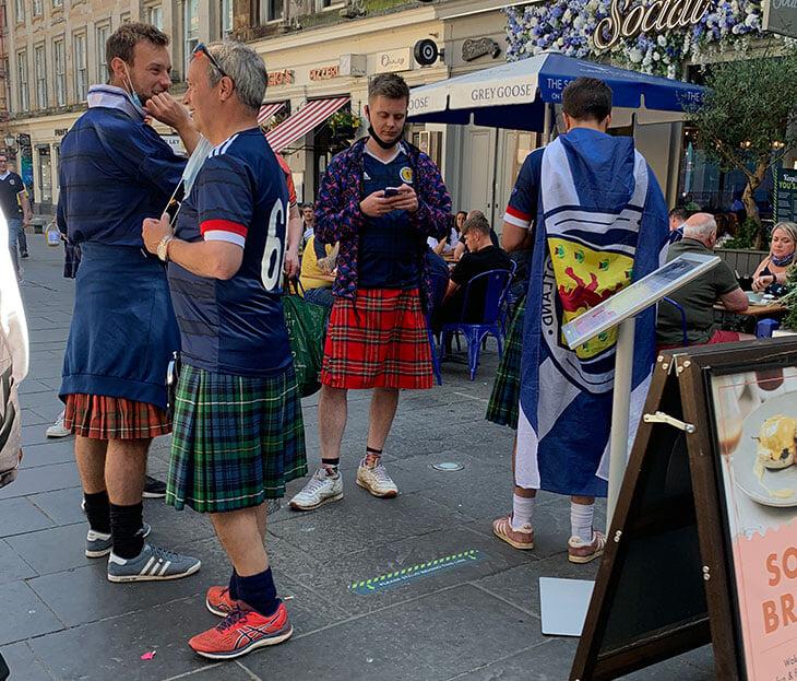 Шотландию провожали с Евро овацией, хотя у нее всего 1 гол и 1 очко. Быть последними в группе можно и так