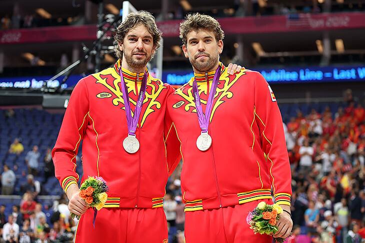 На протяжении 20 лет Испанию не представляли без братьев Газолей. Они провели последний матч в Токио и больше не сыграют за сборную