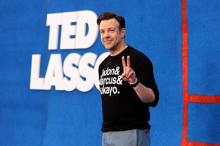 «Тед Лассо» – самая популярная комедия о спорте. Идея родилась из рекламы АПЛ, актеры вообще ничего не понимают в футболе