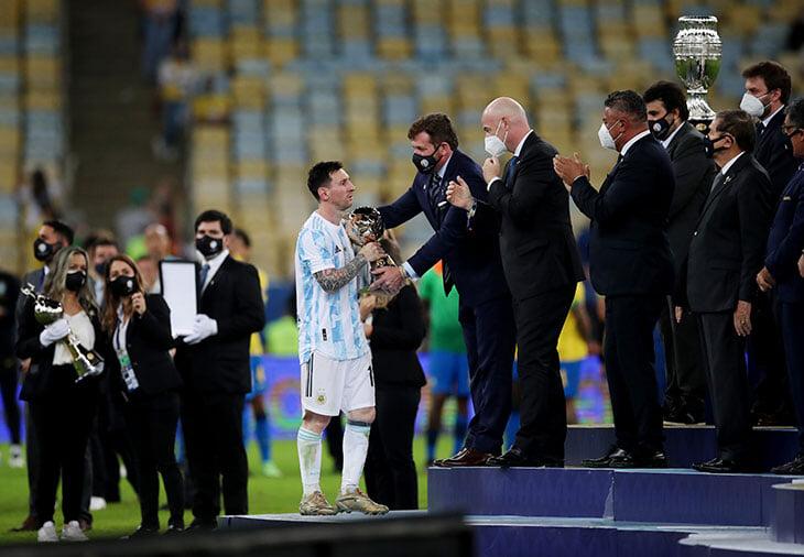 😍🇦🇷🏆 Месси празднует долгожданный трофей с Аргентиной! Его эмоциям можно только завидовать