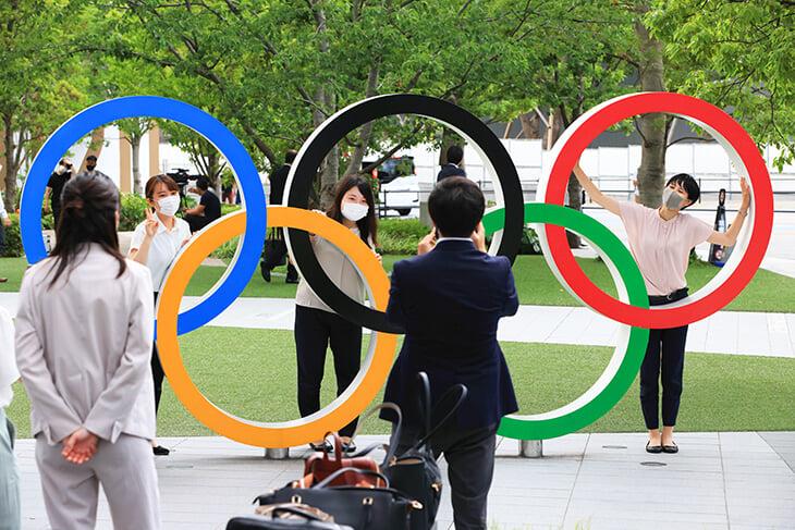 Равенство на Олимпиадах: на первые Игры женщин не пускали, а теперь они выступают во всех видах (есть даже два – только для них)