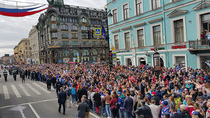 Парад чемпионов СКА перекроет движение вцентре Петербурга