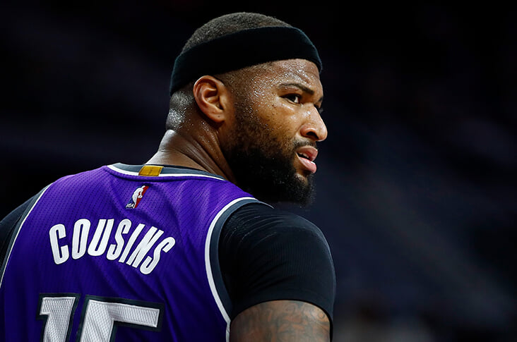 Комментатор написал, что «жизнь каждого имеет значение». Игроки НБА обвинили его в расизме, а «Сакраменто» и радиокомпания уволили