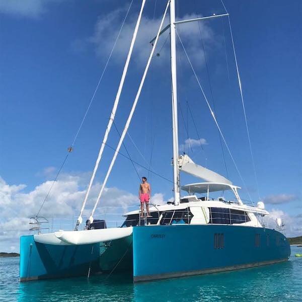 Надаль обожает море как ребенок и потратил на лодки 10 млн евро. Недавно взял яхту с бассейном и гаражом