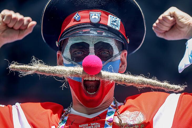 Человек-сыр, человек-лейка и человек-усы: какой Евро без этих болельщиков