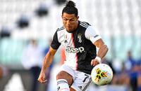 Роналду забил 25-й гол в сезоне Серии А (со штрафного!). Таких бомбардиров в «Юве» не было 59 лет