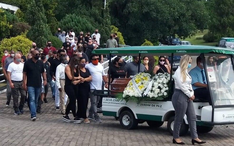 У Роналдиньо умерла мама. Ронни поддержали Месси и Неймар, он не приехал на похороны из-за потрясения