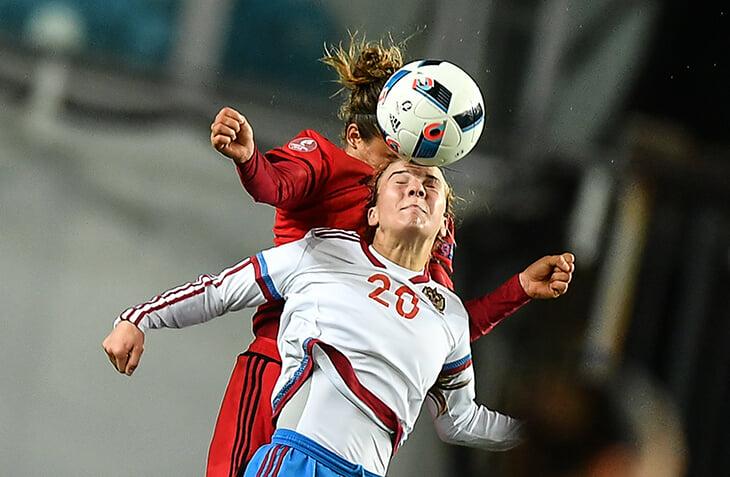Как устроен женский футбол в России? Отвечают руководитель Департамента женского футбола РФС, врач ЦСКА и главный тренер ЖФК «Зенит»