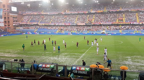 Матчи Дженоа— Фиорентина иРома— Сампдория приостановлены из-за дождя