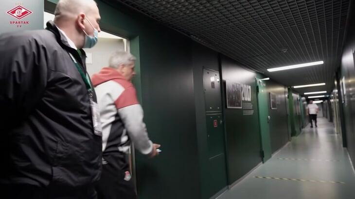 Расследование походов в судейскую от КДК: Сухина был в комнате 4 минуты (в три захода), на рефери не влиял, «Локомотиву» – матч на нейтральном поле