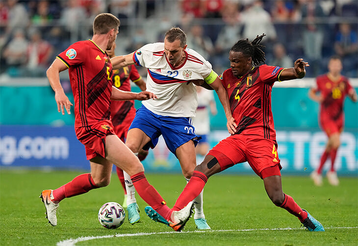 Черчесов удивил схемой (и отказался объяснять мотивы). Россия подарила Бельгии голы и была беспомощна в атаке