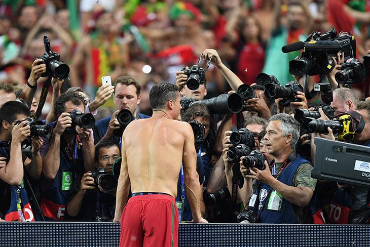 Возвращение Роналду не покажут в Англии. Там снова блэкаут на матчи в субботу – от традиции отказывались во время коронакризиса
