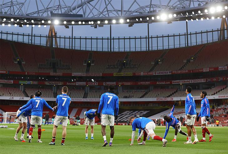 «Арсенал» заявил на матч с «Ливерпулем» воспитанника, который умер от рака 20 лет назад. Вместо номера – бесконечность
