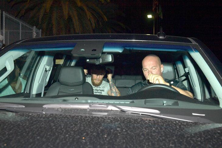 Конора снова арестовали в США. Он разбил айфон фаната из-за фото