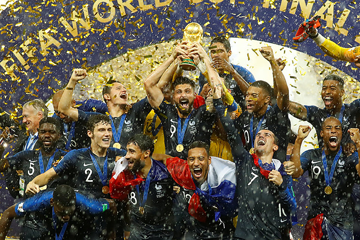 Картинки по запросу Победа сборной Франции по футболу не помогла рейтингу Эмманюэля Макрона