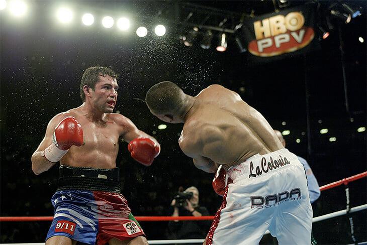 Оскар Де Ла Хойя возобновляет карьеру спустя 13 лет. Он был одним из лучших боксеров 90-х и успешным промоутером