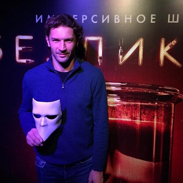 Я поражен знаниями Сенникова: мы обсудили музыку Чайковского, книги Чехова и спектакли Серебренникова
