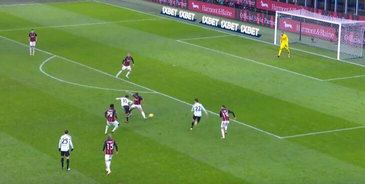 «Милан» не проигрывал 27 матчей (304 дня) – но вмешался «Ювентус». Феерил не Роналду, а Кьеза