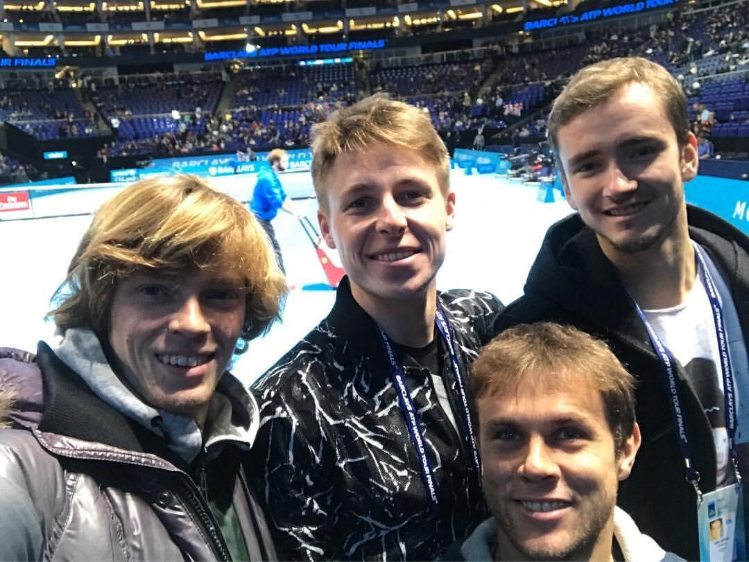 Рублев и Медведев играют первый русский четвертьфинал «Шлема». 7 лет назад они уходили от слежки в парке после юниорского US Open