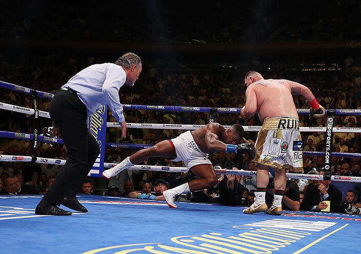 В боксе – суперсенсация: мексиканский пухляш уничтожил Джошуа. Кэф на его победу был 16