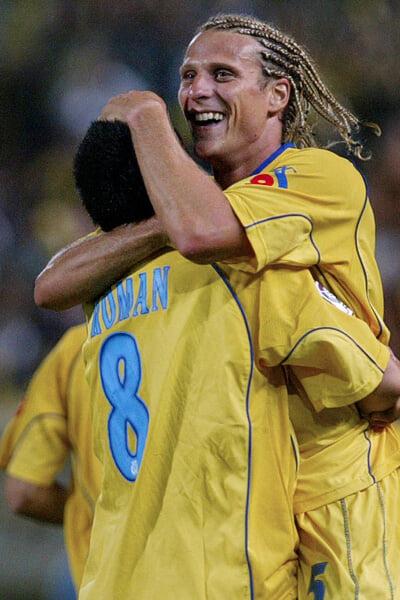 Форлан провалился в «МЮ» из-за эгоизма Ван Нистелроя, а потом выиграл «Золотую бутсу» в «Вильярреале» – благодаря дружбе с Рикельме