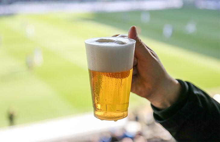 Футболисты пьют пиво после матчей даже в сборной России. Это полезно? А какое лучше?