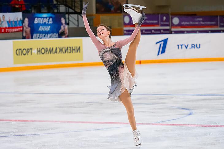 В программе для Щербаковой тренеры не угадали с музыкой: новая версия энергичнее, но, возможно, из-за этого Аня пока ошибается