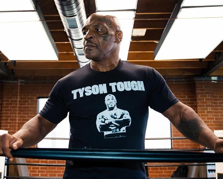 Бой Тайсона и Джонса едва не испортили глупыми правилами. Но оба боксера хотят рубиться по-настоящему