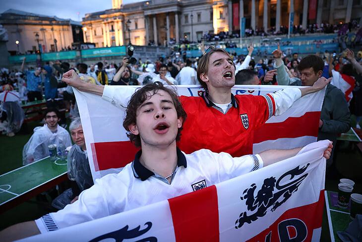 После победы Бонуччи кричал и пел «It's coming to Rome!» Кажется, английская песня прекрасно мотивирует