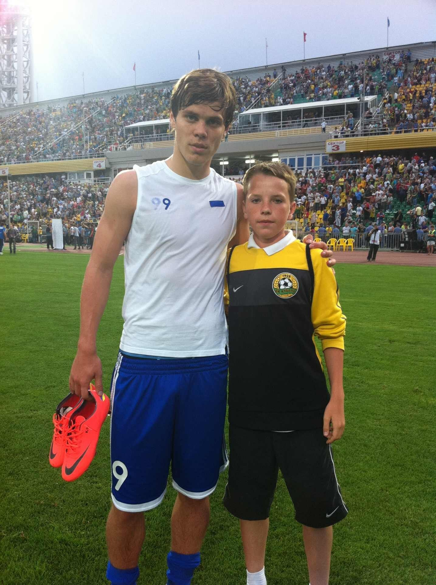Нашего футболиста занесло в Никарагуа: живет в общаге с полицейскими, до этого играл в низах Испании и подрабатывал на стройке