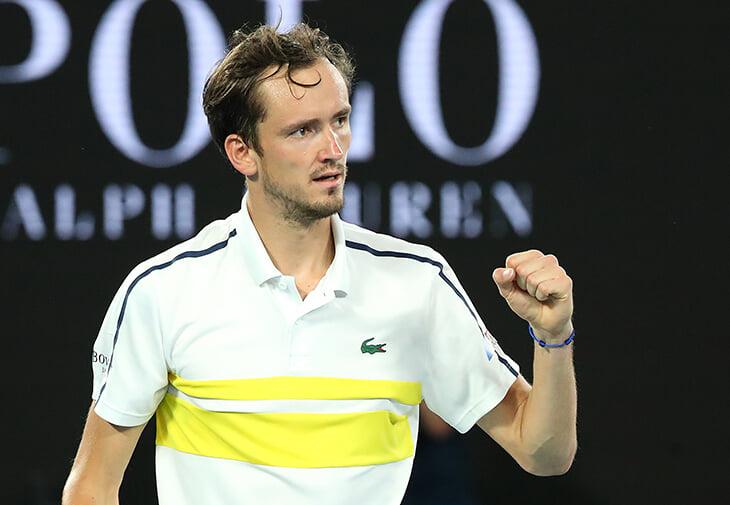 🎉👊Медведев – в финале Australian Open! Он в убойной форме: разорвал Циципаса, одержал 20-ю победу подряд