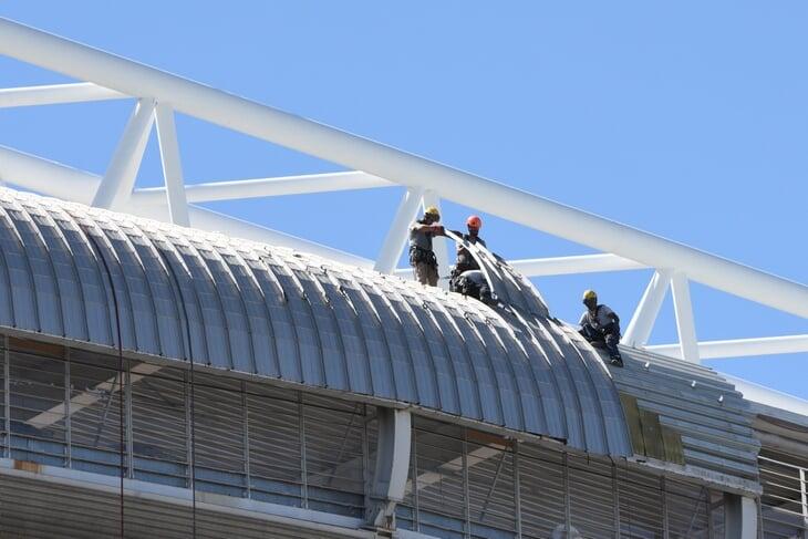 Вернуть футбол на «Сантьяго Бернабеу» хотят в 2022-м. Перес говорит о лучшем стадионе века и безумной выручке