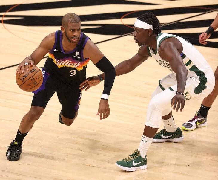 Что за финал в НБА! Дрю Холидэй вырвал победу из рук Букера и выиграл для «Милуоки» пятый матч серии
