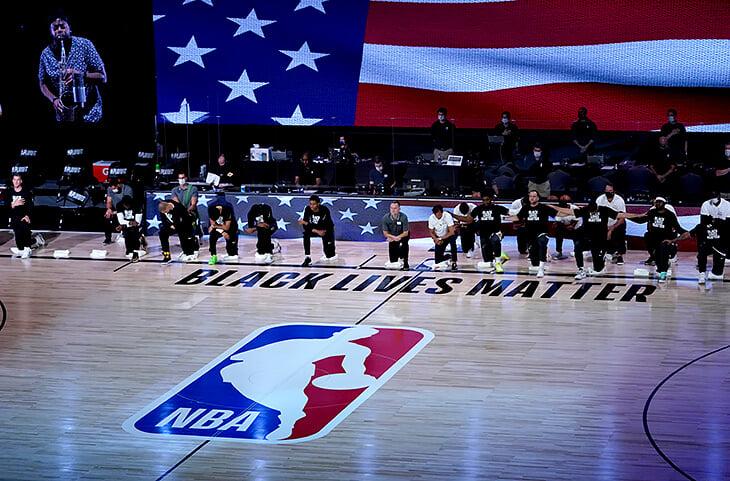 Игроки НБА бойкотируют плей-офф. Причина: стрельба полицейских в чернокожего в Висконсине