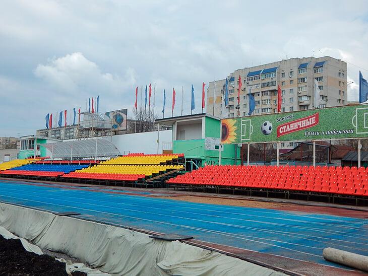 Стадион «Тамбова» заслужил пьесу: о параде бюрократии, несбывшихся обещаниях и строгих словах, которые можно отыграть