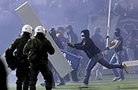 происшествия, болельщики, Олимпиакос, Панатинаикос, высшая лига Греция, фото, Альвред Финнбогасон