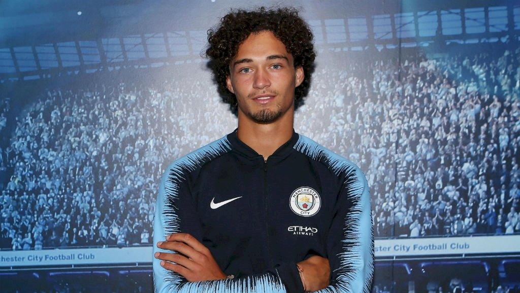«Манчестер Сити» подписал 21-летнего голландского защитника