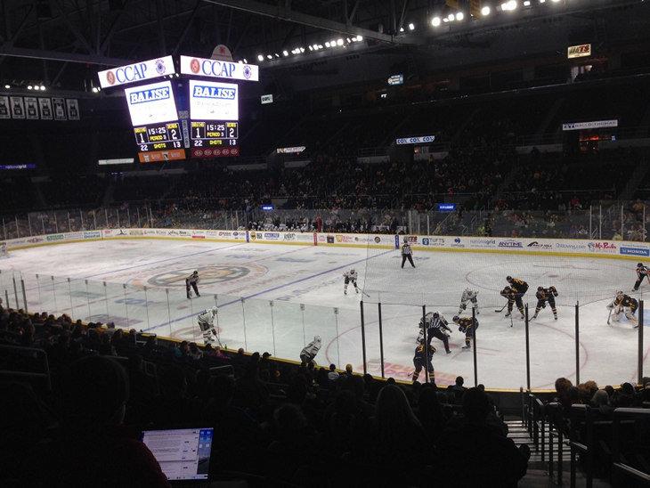 352dedfe53e Вообще над маркетингом и операционной деятельностью, связанной с  болельщиками, в «Провиденс» работают 27 человек (в клубах НХЛ примерно в  1,5 – 2 раза ...