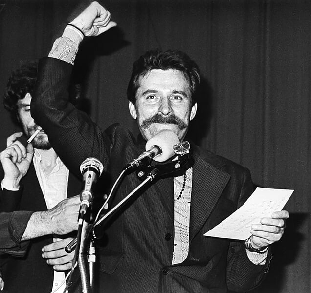 В 1983 году лидер оппозиции Польши пошел на футбол. Матч с «Ювентусом» превратился в митинг, местное ТВ отрубило звук