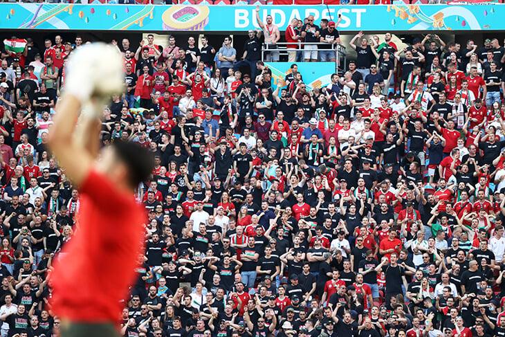 Больше 60 000 болельщиков. Матч Венгрия - Португалия проходит на почти заполненном стадионе - изображение 2