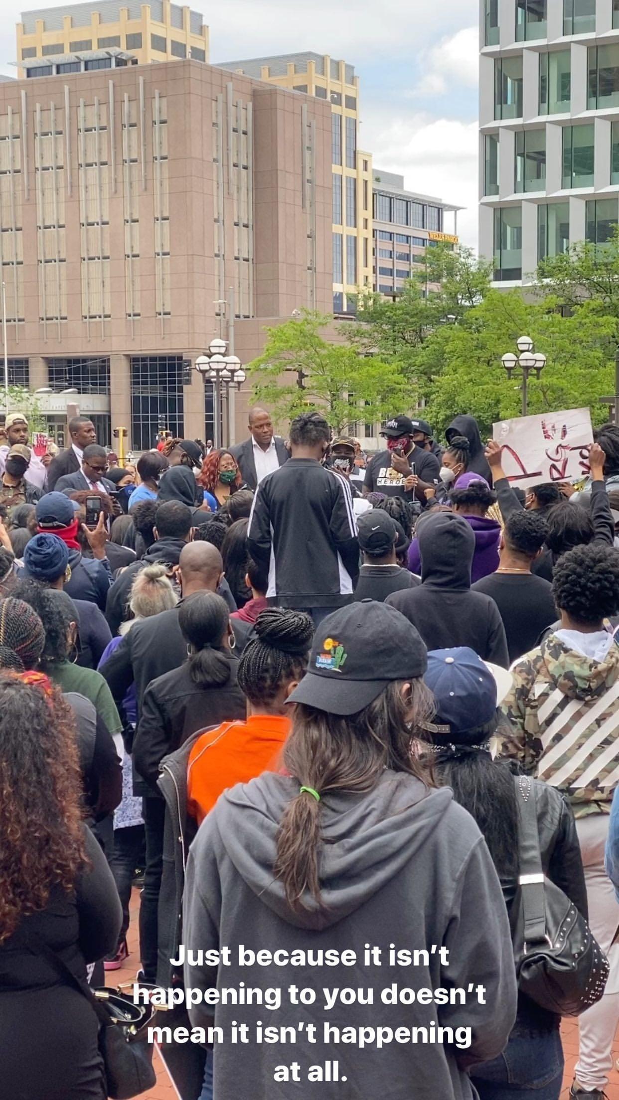Спортсмены возмущены смертью афроамериканца Джорджа Флойда