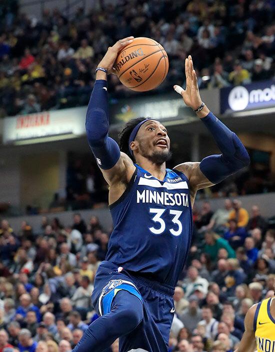 В НБА провели самый массовый обмен в XXI веке: 12 игроков, 4 клуба. И он может стать еще крупнее