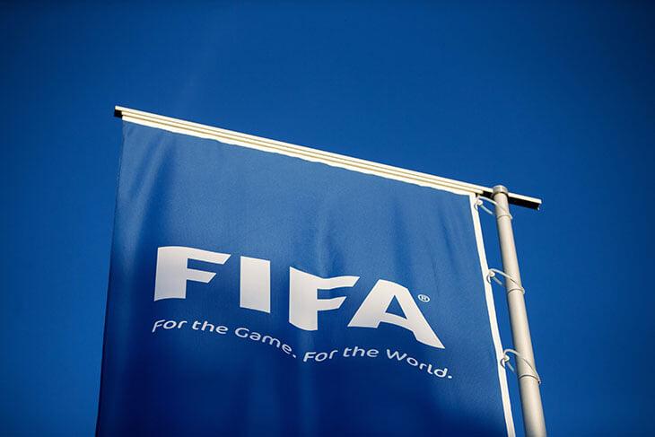 Суперлига делает невозможное: она объединила УЕФА, ФИФА, АПЛ, Ла Лигу, Фергюсона, Тебаса, Макрона и Прядкина. Они все против