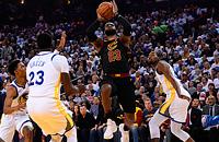 «Голден Стэйт» бьет «Кливленд». Лучшие команды НБА за полгода до финала