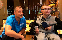 Перед матчем с «Динамо» Дзюба встретился с болельщиком Кириллом – у него неизлечимое заболевание